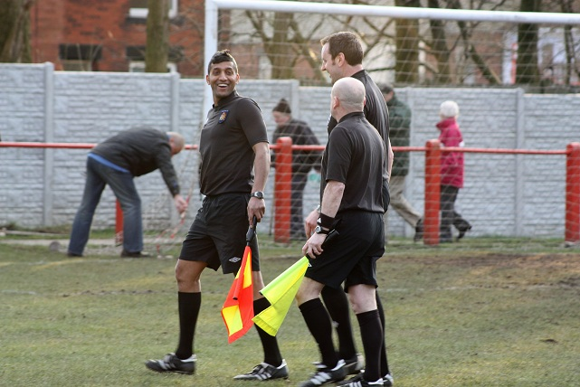 The linesman!