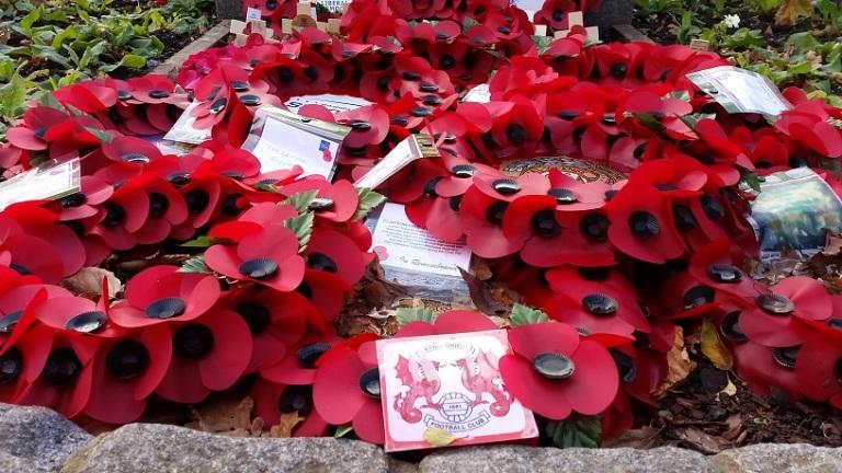 Leyton Orient remembrance wreath