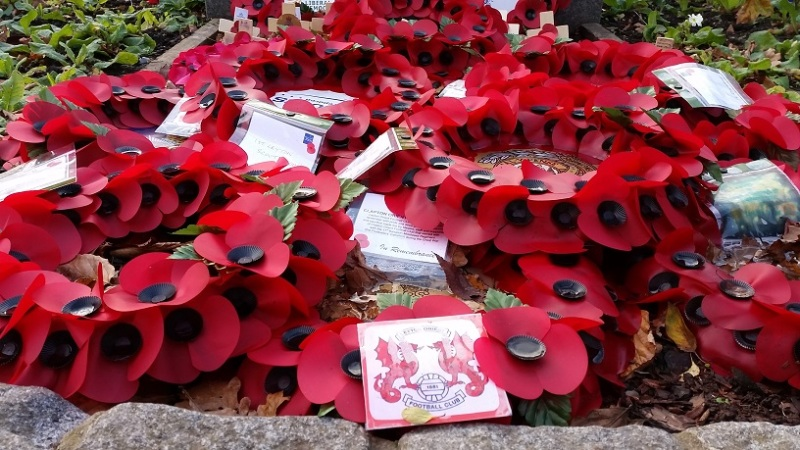 Leyton Orient remembrance wreath